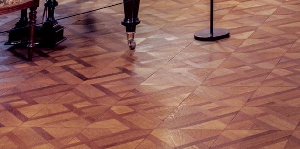 Lắp đặt sàn gỗ hoa văn
